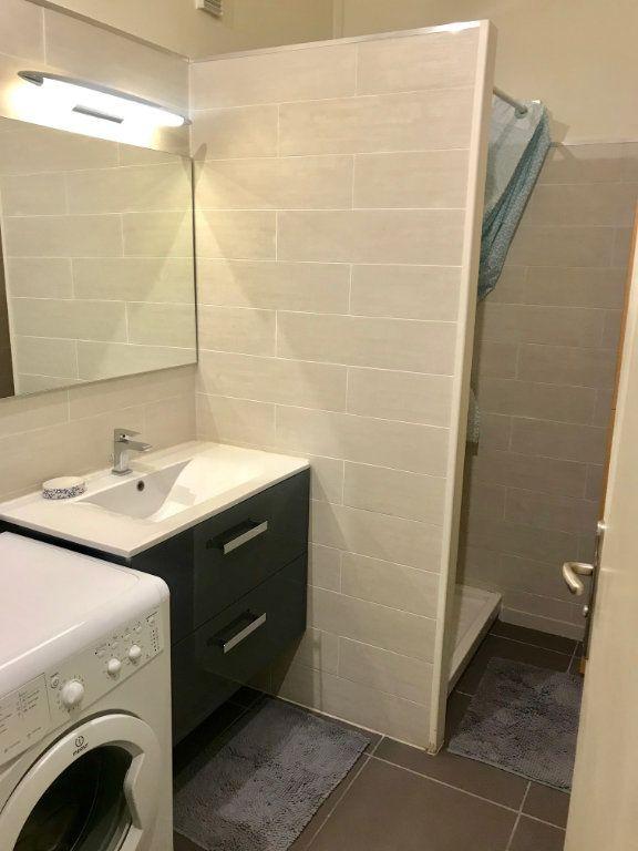 Appartement à louer 3 77.42m2 à Nice vignette-9