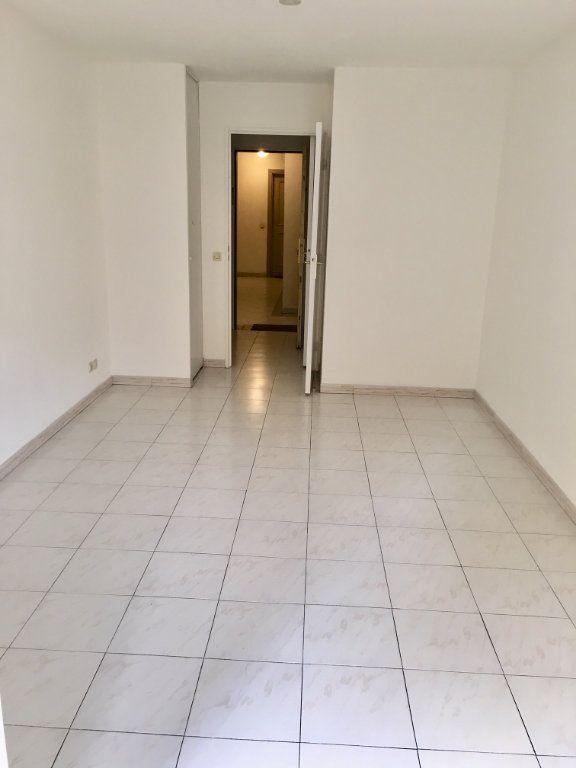 Appartement à louer 1 19.8m2 à Nice vignette-3