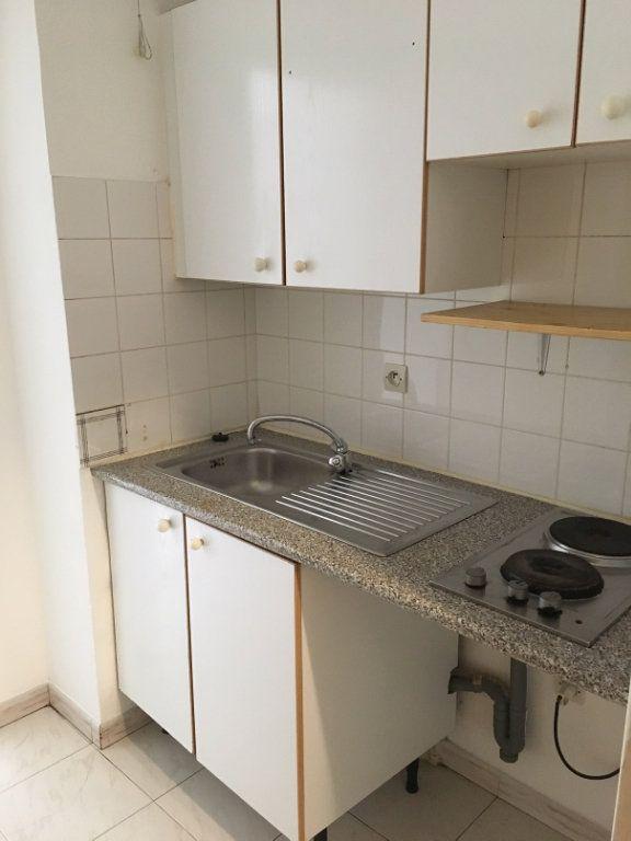 Appartement à louer 1 19.8m2 à Nice vignette-4