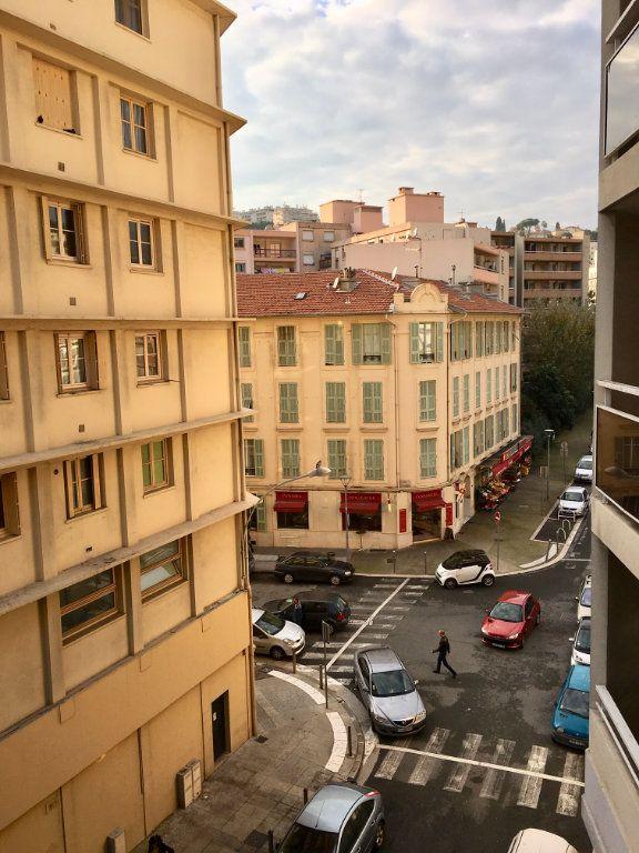 Appartement à louer 1 19.8m2 à Nice vignette-5