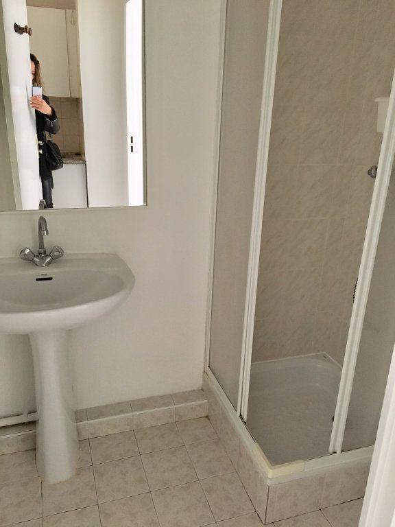 Appartement à louer 1 19.8m2 à Nice vignette-6