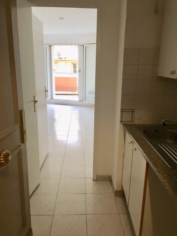 Appartement à louer 1 19.8m2 à Nice vignette-7
