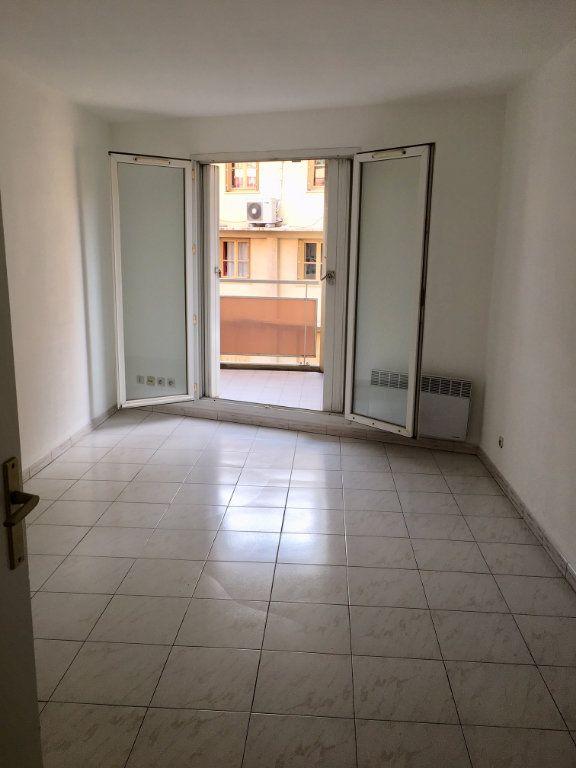 Appartement à louer 1 19.8m2 à Nice vignette-8