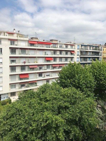 Appartement à louer 2 48.5m2 à Nice vignette-8