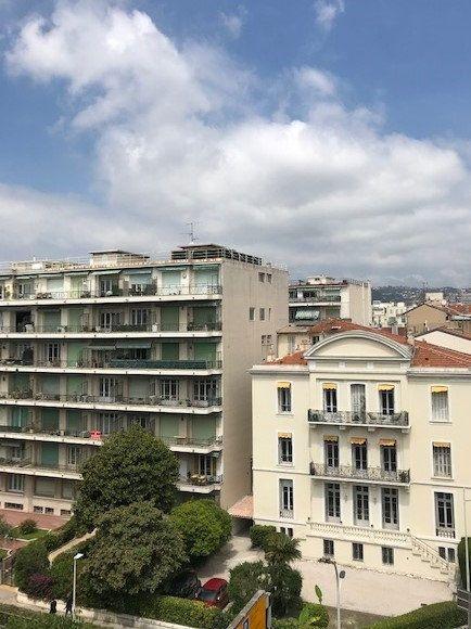 Appartement à louer 2 48.5m2 à Nice vignette-9