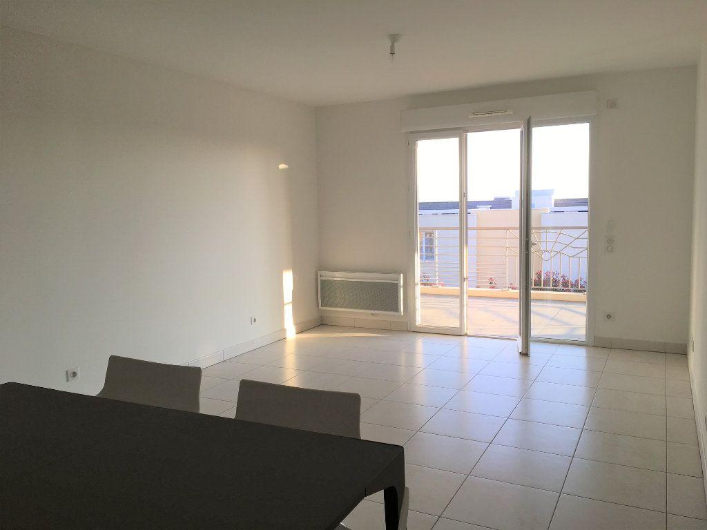 Appartement à louer 4 81.33m2 à Nice vignette-6