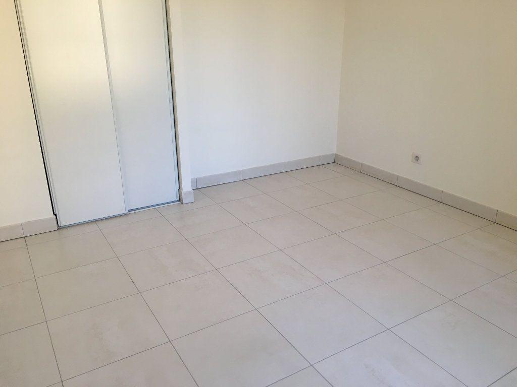 Appartement à louer 4 81.33m2 à Nice vignette-7