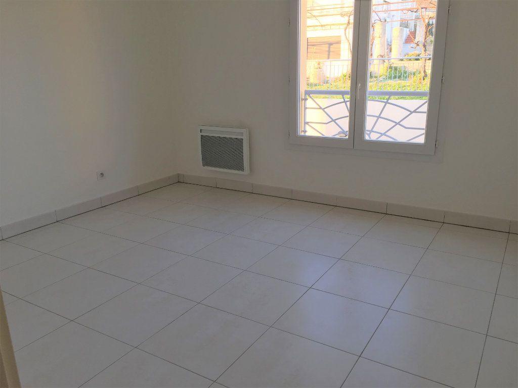 Appartement à louer 4 81.33m2 à Nice vignette-11