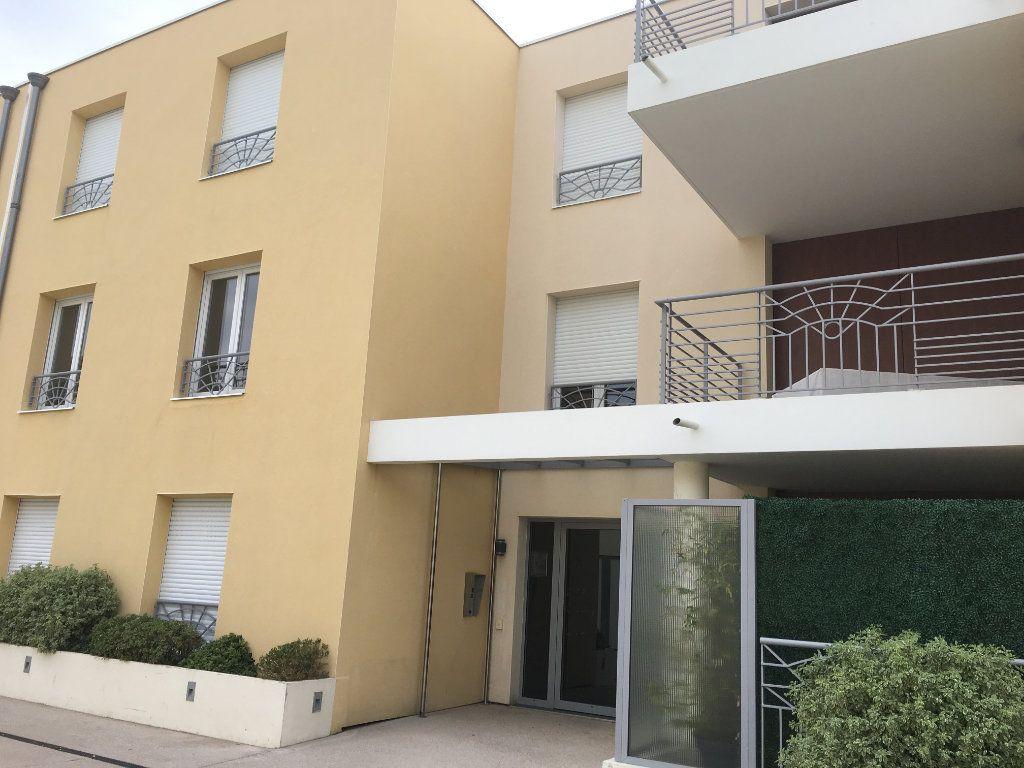 Appartement à louer 4 81.33m2 à Nice vignette-12