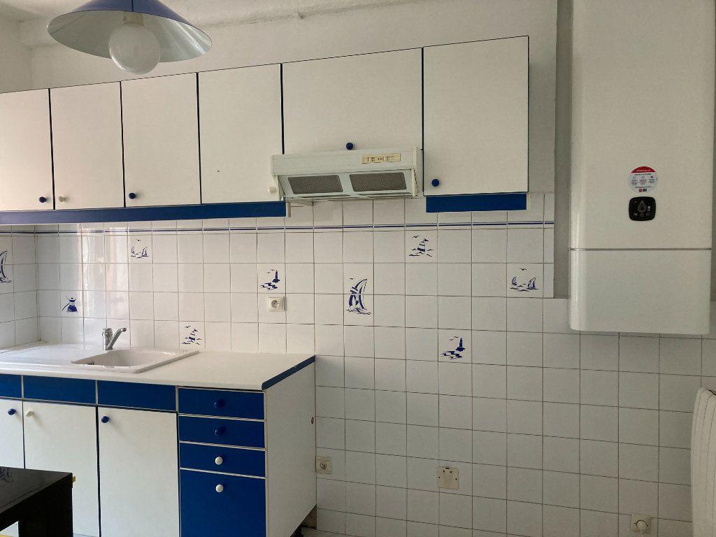 Appartement à louer 2 30.07m2 à L'Escarène vignette-1