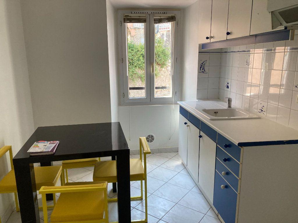Appartement à louer 2 30.07m2 à L'Escarène vignette-2