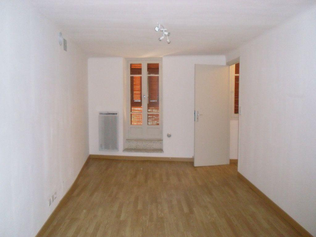 Appartement à louer 3 41.09m2 à Lucéram vignette-2