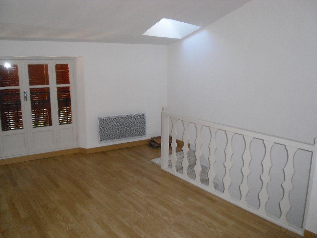 Appartement à louer 3 41.09m2 à Lucéram vignette-4