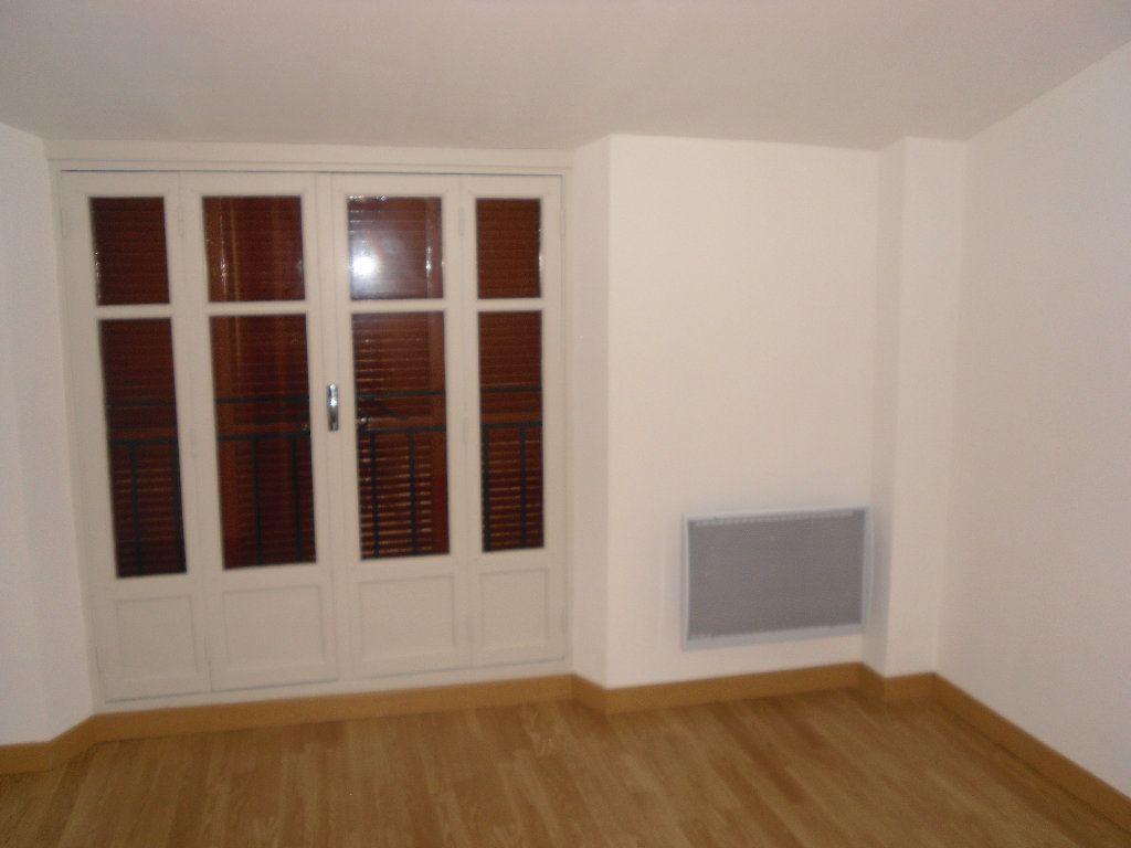 Appartement à louer 3 41.09m2 à Lucéram vignette-9