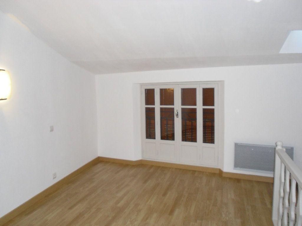 Appartement à louer 3 41.09m2 à Lucéram vignette-10