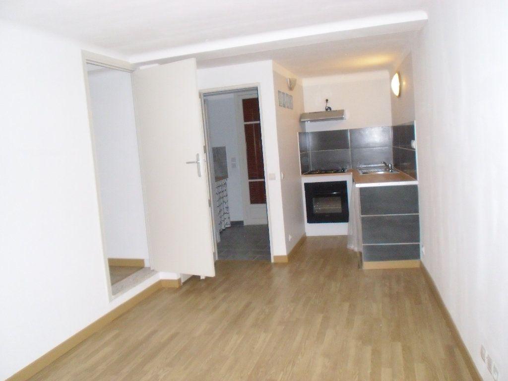 Appartement à louer 3 41.09m2 à Lucéram vignette-11