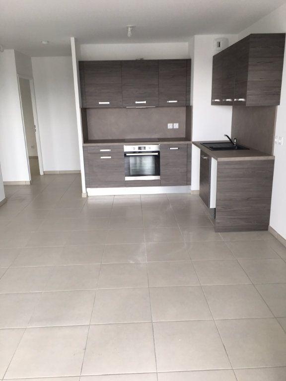 Appartement à louer 3 56.86m2 à Nice vignette-5