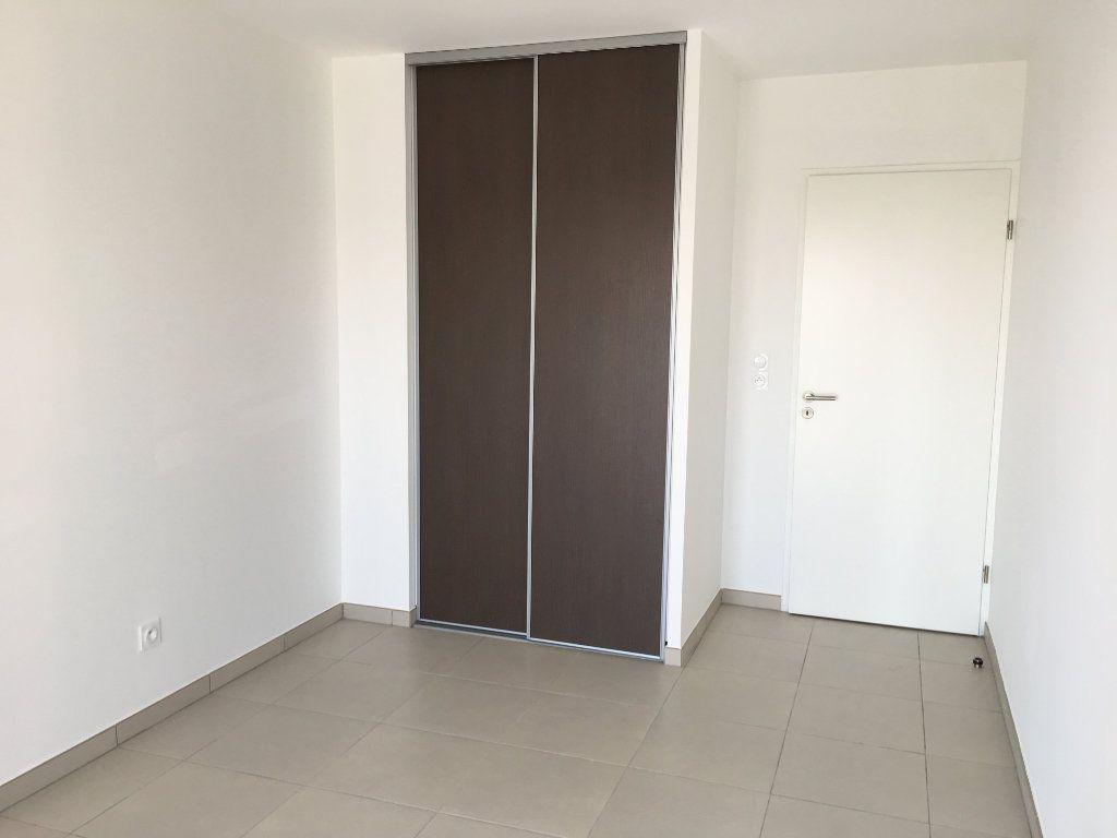 Appartement à louer 3 56.86m2 à Nice vignette-7