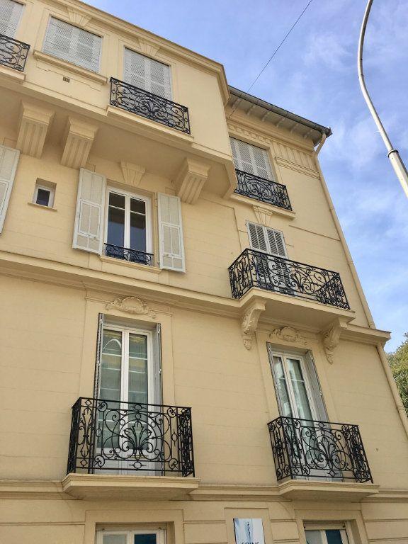 Appartement à louer 2 40.75m2 à Nice vignette-7