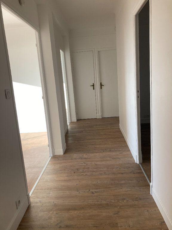 Appartement à louer 3 60.74m2 à Nice vignette-5