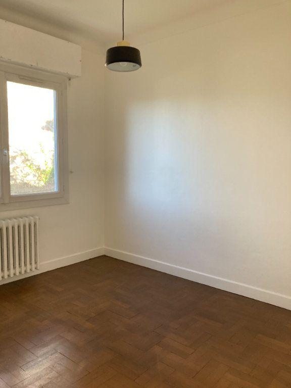 Appartement à louer 3 60.74m2 à Nice vignette-7