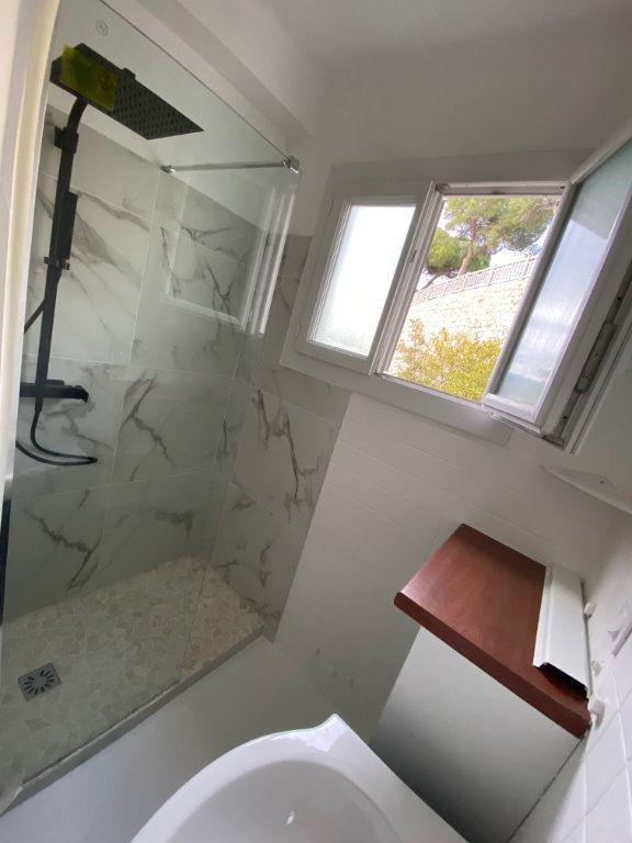 Appartement à louer 3 60.74m2 à Nice vignette-9