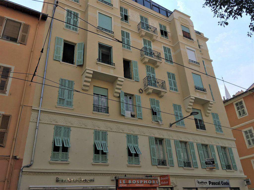 Appartement à louer 1 22.03m2 à Nice vignette-1