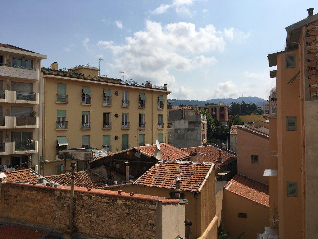 Appartement à louer 1 22.03m2 à Nice vignette-2