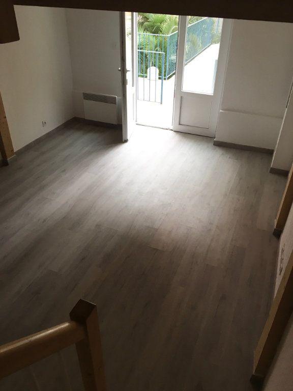 Appartement à louer 2 30.33m2 à Nice vignette-3