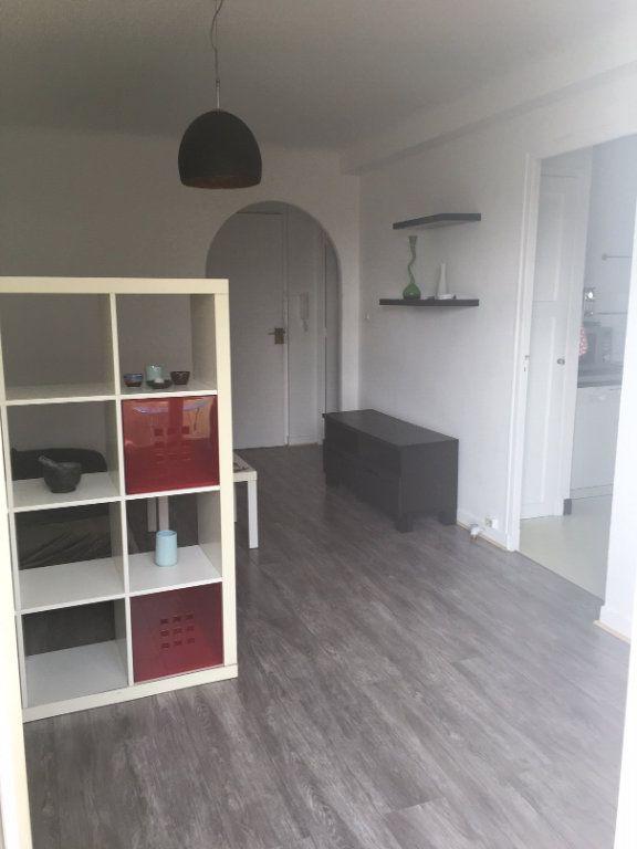 Appartement à louer 2 43m2 à Nice vignette-8