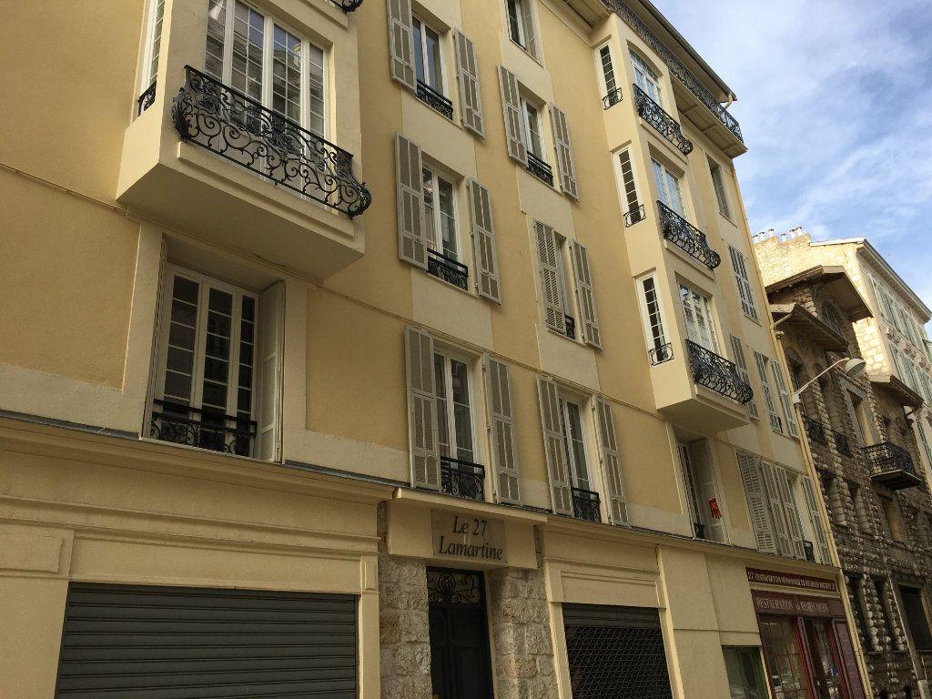 Appartement à louer 1 27.28m2 à Nice vignette-1