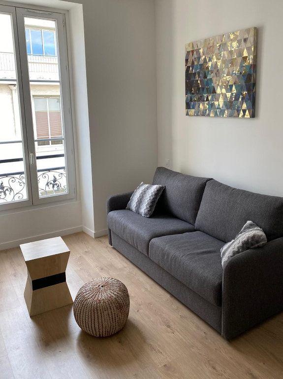 Appartement à louer 1 27.28m2 à Nice vignette-2