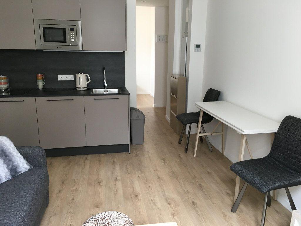 Appartement à louer 1 27.28m2 à Nice vignette-3