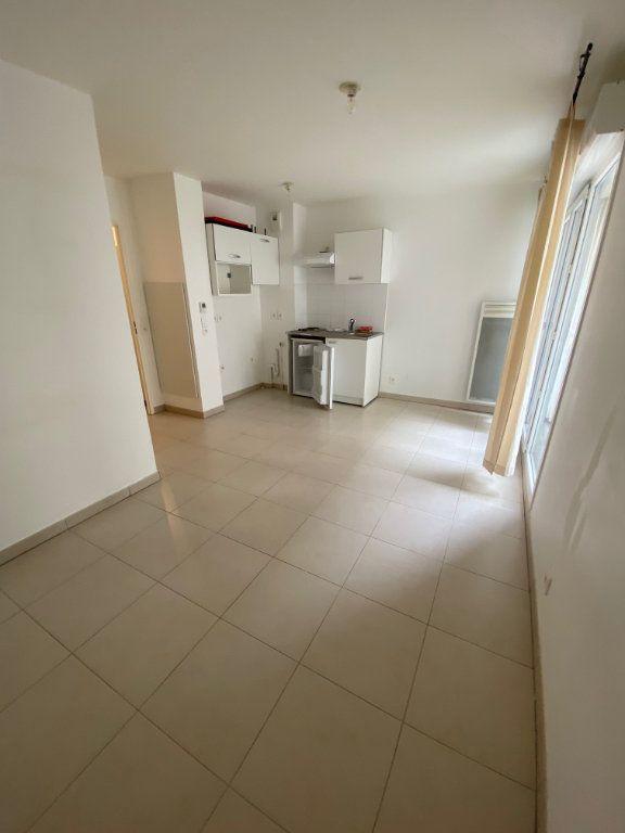 Appartement à louer 1 23.6m2 à Nice vignette-2