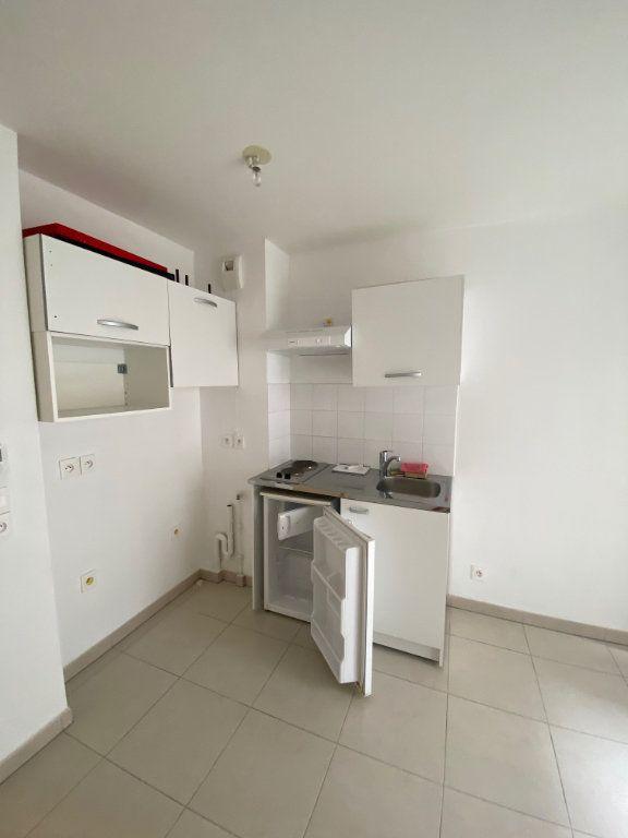 Appartement à louer 1 23.6m2 à Nice vignette-3