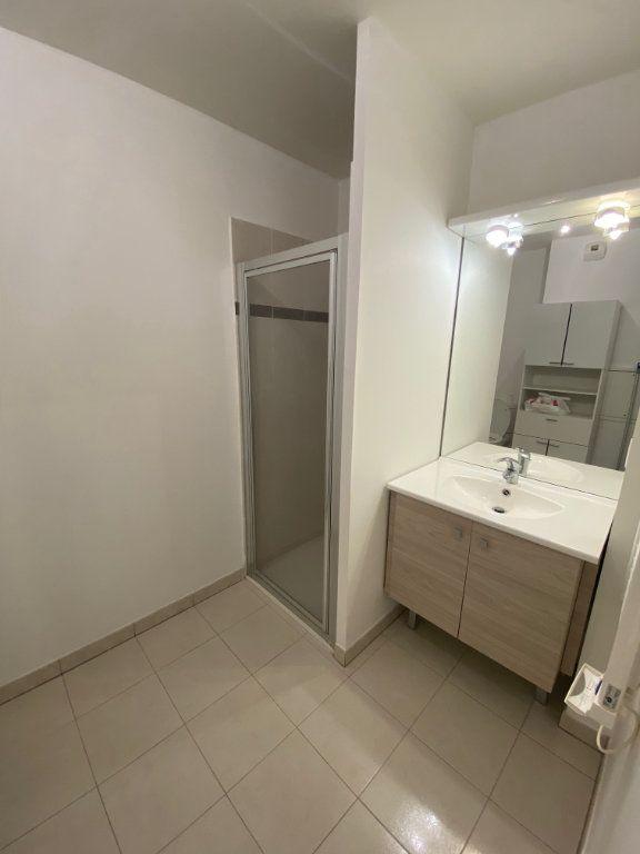 Appartement à louer 1 23.6m2 à Nice vignette-6