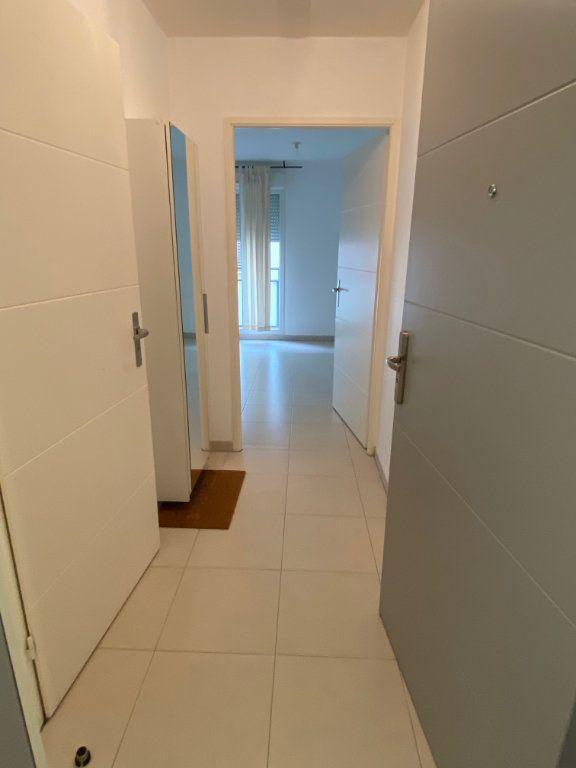 Appartement à louer 1 23.6m2 à Nice vignette-7