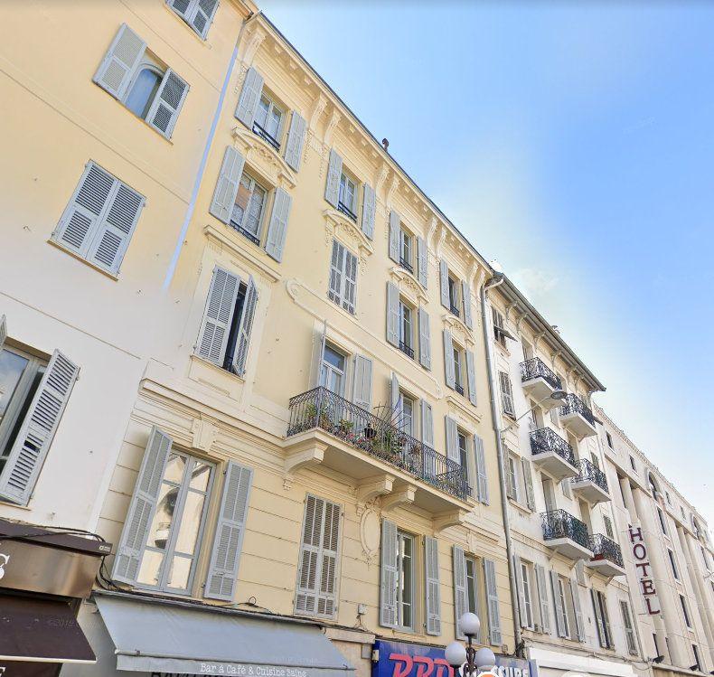 Appartement à louer 3 62.13m2 à Nice vignette-1