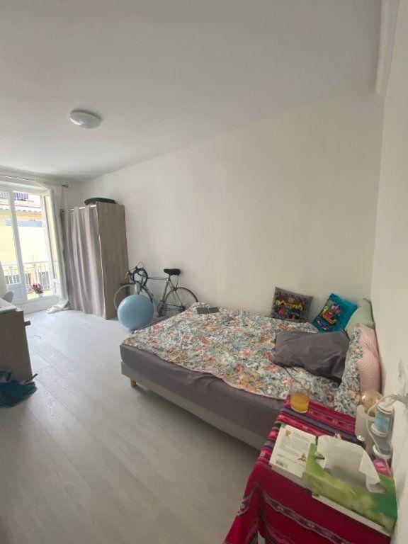 Appartement à louer 3 62.13m2 à Nice vignette-6