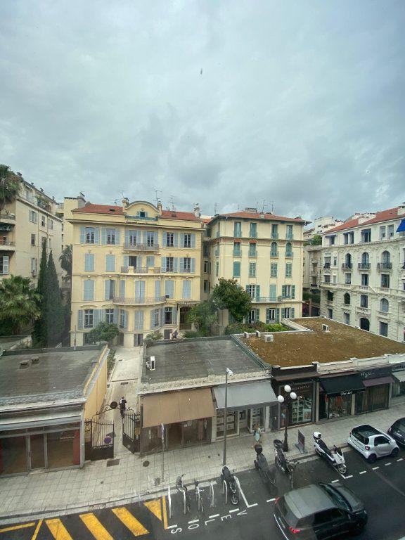 Appartement à louer 3 62.13m2 à Nice vignette-8