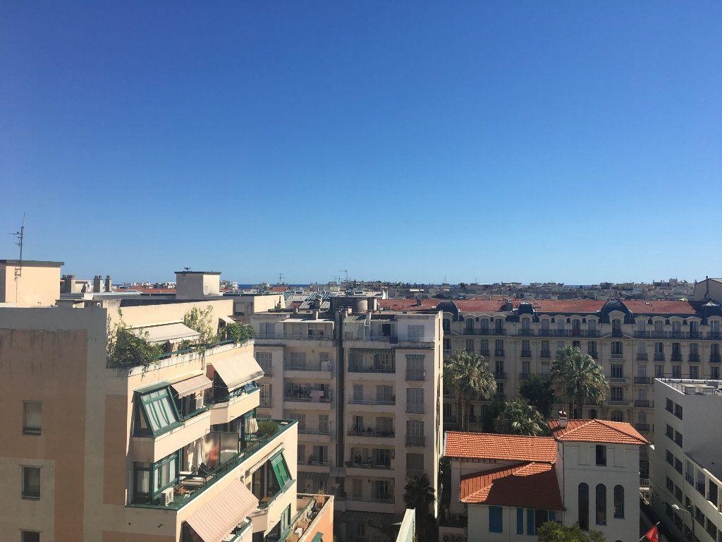 Appartement à louer 1 31.03m2 à Nice vignette-1