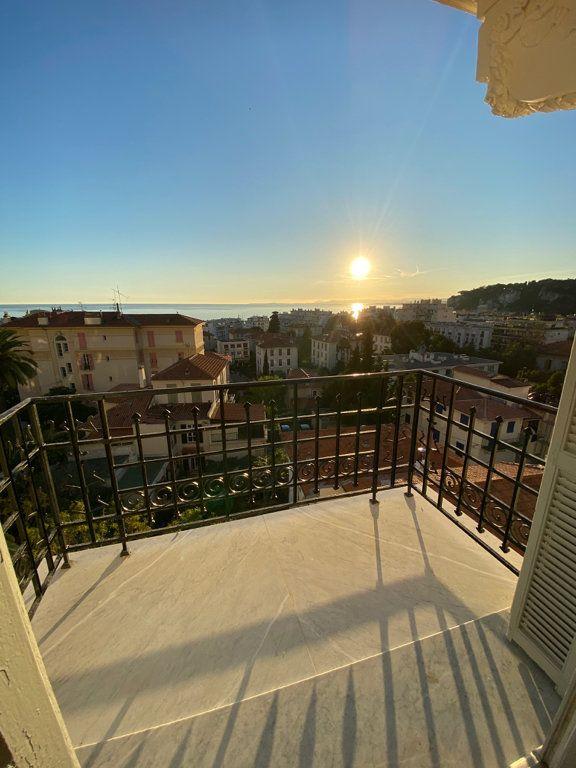 Appartement à louer 4 92.04m2 à Nice vignette-1