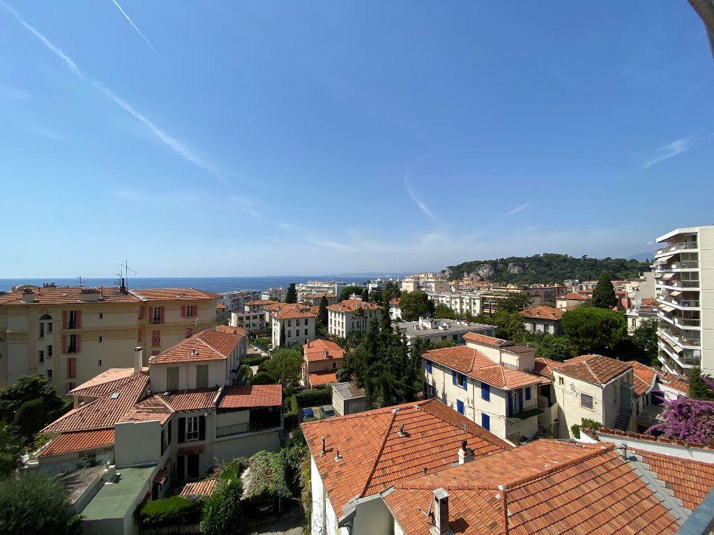 Appartement à louer 4 92.04m2 à Nice vignette-2
