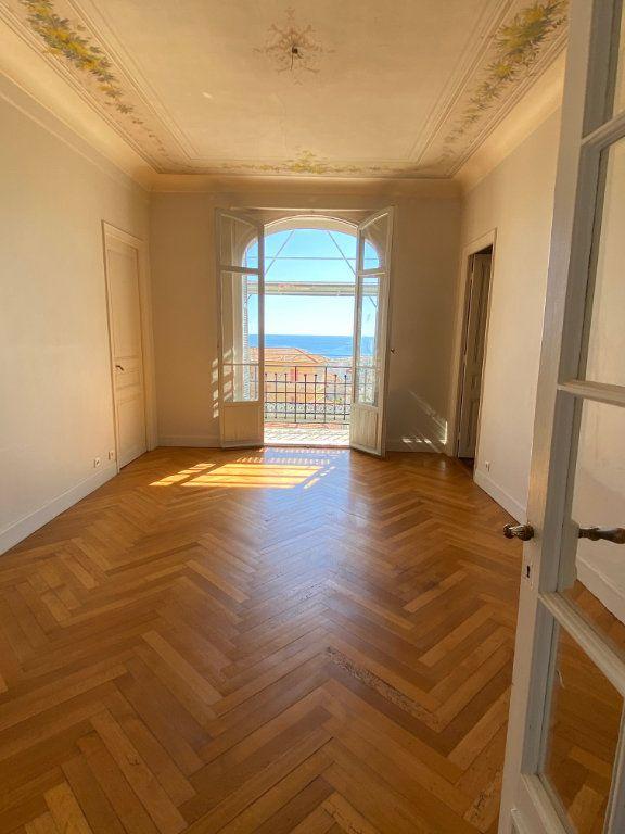 Appartement à louer 4 92.04m2 à Nice vignette-3