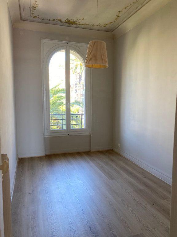 Appartement à louer 4 92.04m2 à Nice vignette-7