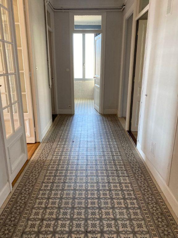 Appartement à louer 4 92.04m2 à Nice vignette-9
