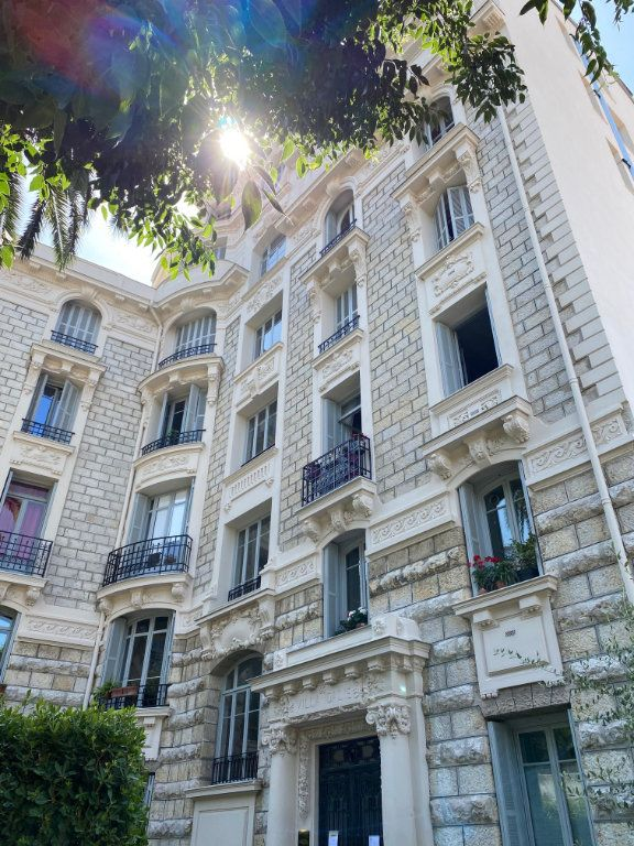 Appartement à louer 4 92.04m2 à Nice vignette-10