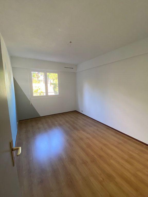Appartement à louer 3 71.88m2 à Nice vignette-5