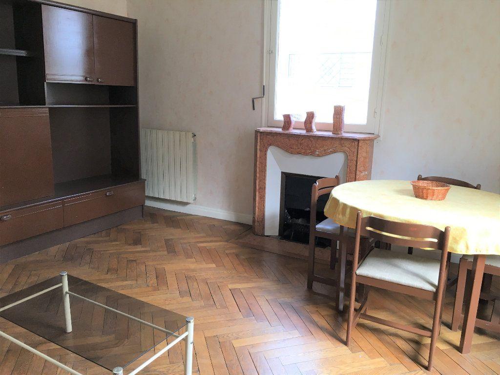 Appartement à louer 2 52m2 à Nice vignette-2