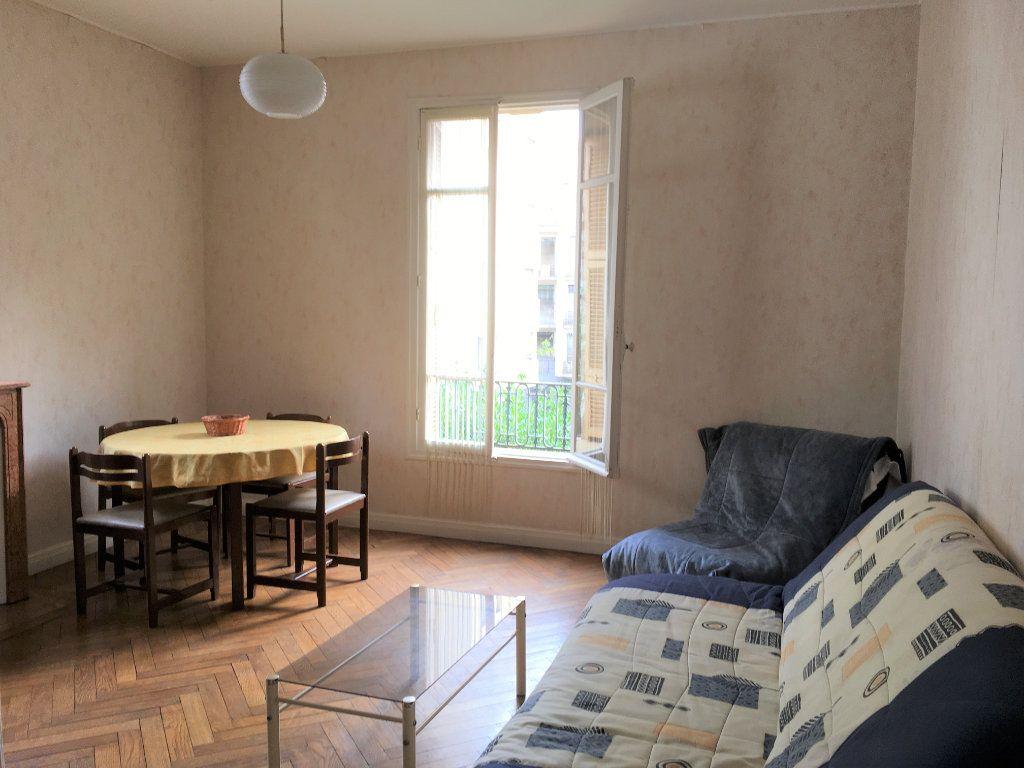 Appartement à louer 2 52m2 à Nice vignette-3